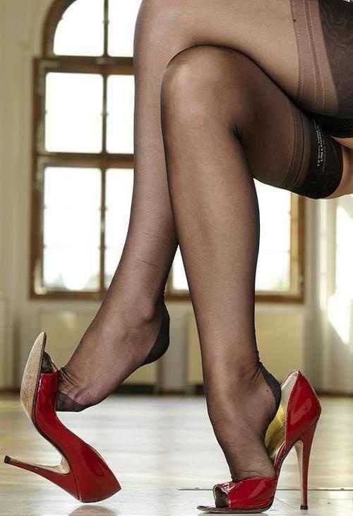 Two hotties worship pantyhose feet 7