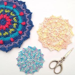 Поиграв немного с #puffsandpicotsmandala который вам больше всего нравится? #крючком #instacrochet #crochetersofinstagram #crochetconcupiscence #crochetmandala #threadcrochet