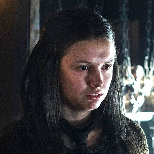 Gilly  played by Hannah Murray