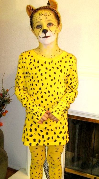 Cheetah Costume - What you do when your kid REALLY wants to be a cheetah for Halloween - Dye shirt yellow, find yellow tights, paint spots...