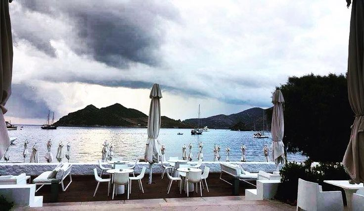They say every season has its beauty. We say take they time to appreciate it! #patmosaktis #patmos Photo credits: @isi_kr