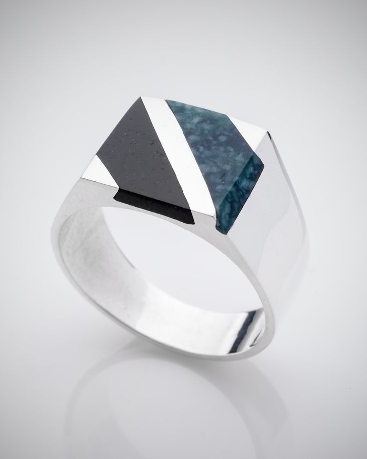 Gift ideas for him Mans silver ring with black and green jade Anillo de hombre en plata con jade negro y verde