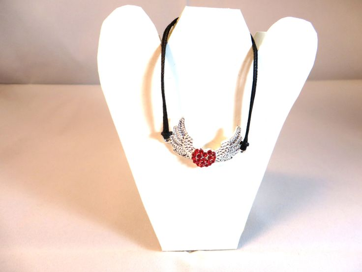 Bracelet coeur ailés rouge strass de la boutique Cabaneabijoux sur Etsy