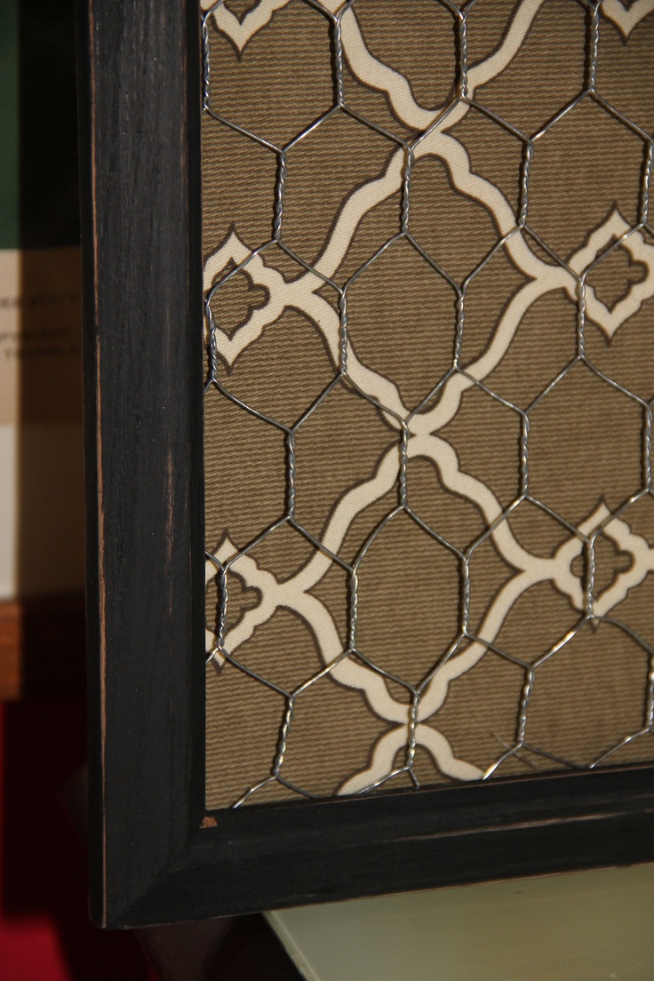 Chicken Wire Memo Board...more great ideas for my business!