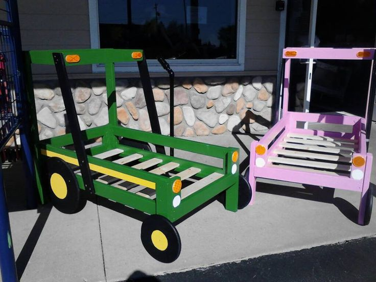 Tractor toddler bed frame