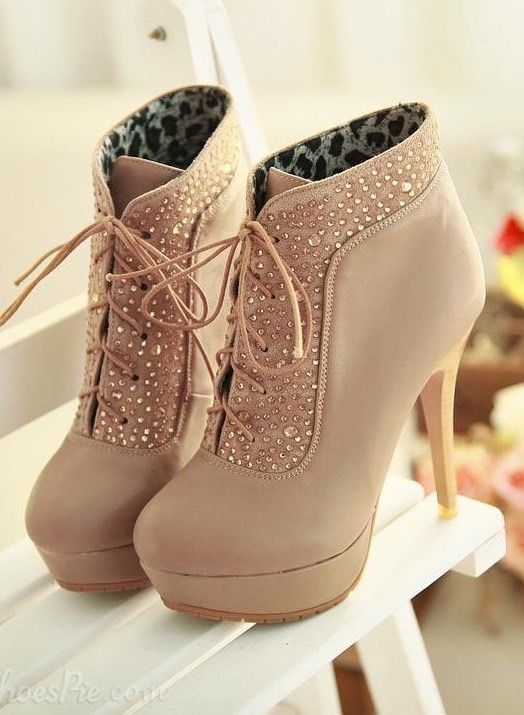 Heeled  Lace Up Boot brown leather rustic vintage adventure boots cute tumblr hipster messy scruffy distressed grunge ankle buckle fall fashion style autumn cute ballet pumps