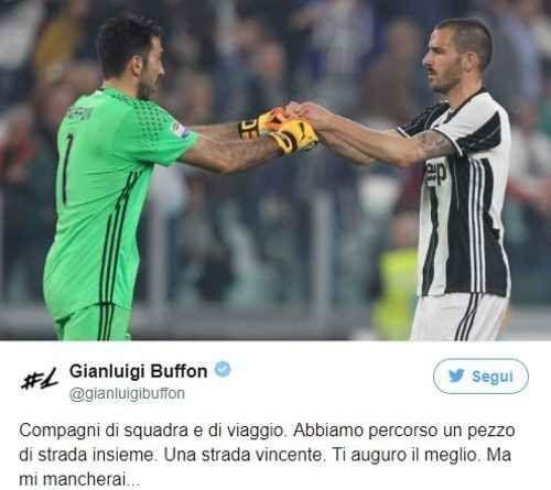"""Juventus, Buffon messaggo a Bonucci:""""Mi mancherai"""" alla fine gigi buffon ha rivolto un messaggio al suo ex compagno di squadra. il capitano della juventus su twitter ha postato uno scatto fotografico di lui insieme al neo milanista in cui ha scritto  #juventus #bonucci #buffon #calcio"""