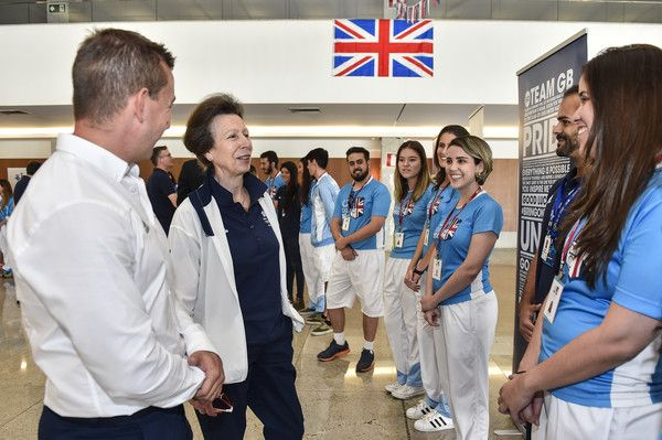 Princess Anne Photos - HRH Princess Anne Visits Team GB Preparation Camp on August 7, 2016 in Belo Horizonte, Brazil. - HRH Princess Anne Visits Team GB Preparation Camp - Belo Horizonte - Rio 2016