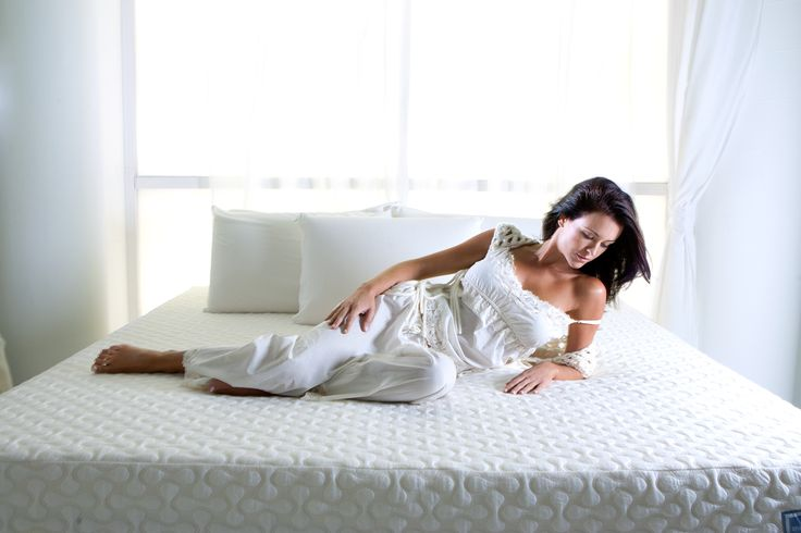Sherif posts naked bed photo