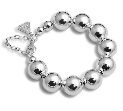 Von Treskow Ball Bracelet A classic piece of sterling silver jewellery. Large silver balls with clasp. 925 silver, Australian made and designed.
