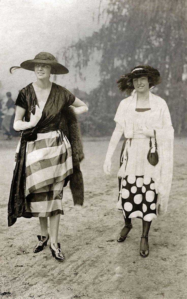 Berlin, 1920 | Stripes and polka dots