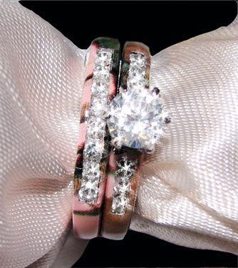 Camo wedding ring hell yes I want this