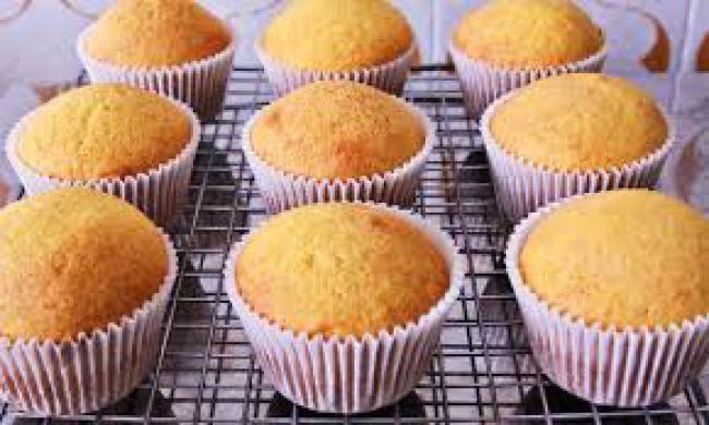 cupcake de cenoura para festa infantil