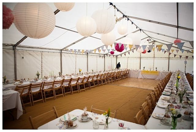 Bunting and lanterns. Feeling excited just looking at this pic :)