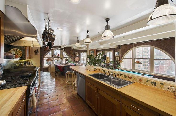 Que me dices de preparar la cena en este #apartamento de #lujo en NY? #luxuryhomes #luxurylifestyle #luxuryapartments #kitchen #NewYork