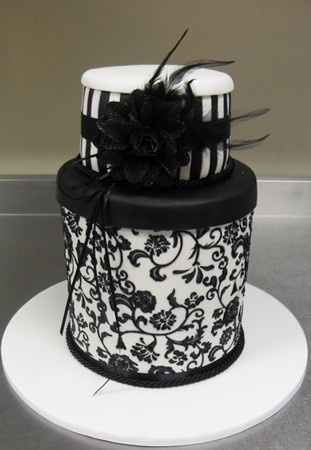 Cake Decorating In Oakleigh : 153 best images about Cakes ~ Black  n  White on Pinterest ...