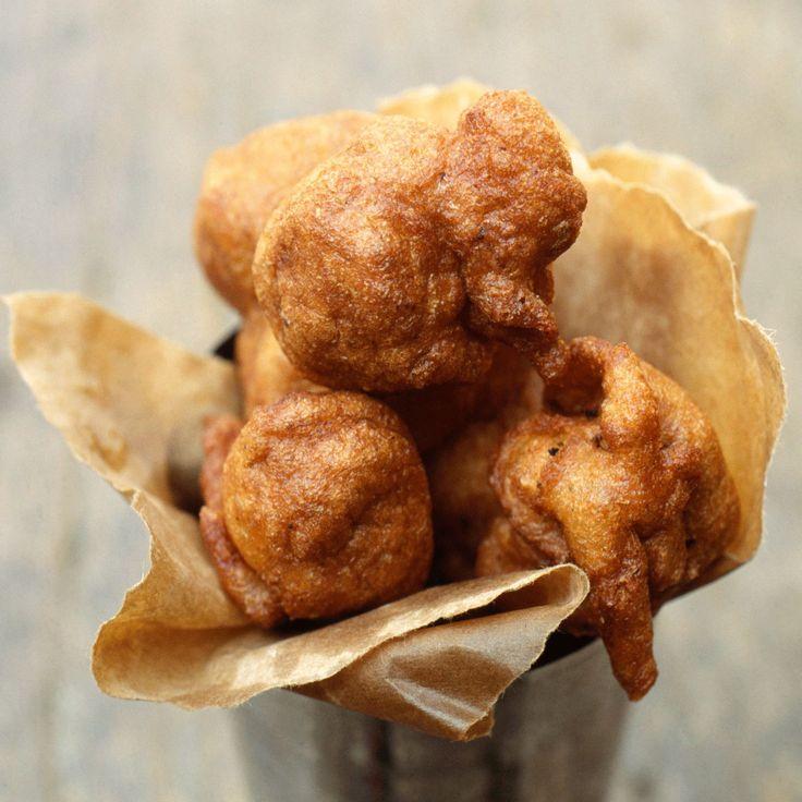 Découvrez la recette Beignets africains au lait de coco sur cuisineactuelle.fr.