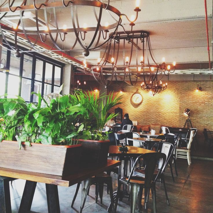 BLANC/SPACE - Common People Eatery & Bar