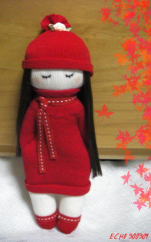 Girl in Red - Sock doll by httpecho.  http://how-to-make-a-doll.com/tutorial-3-girl-sock-doll-%E6%95%99%E7%A8%8B3-%E5%A5%B3%E5%AD%A9%E8%A2%9C%E5%A8%83%E5%A8%83/