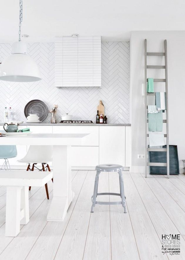 WERANNA'S: Paulina Arcklin: Backsplash Tile, All White, Herringbone Tile, Kitchens White, Bath Tile, Woods Floors, Wall Tile, White Woods, White Kitchens