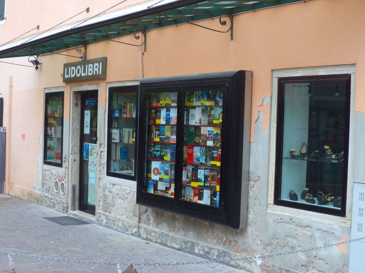 Bookstore on the island of Lido, Venice, Italy. (libri=books) July 2013
