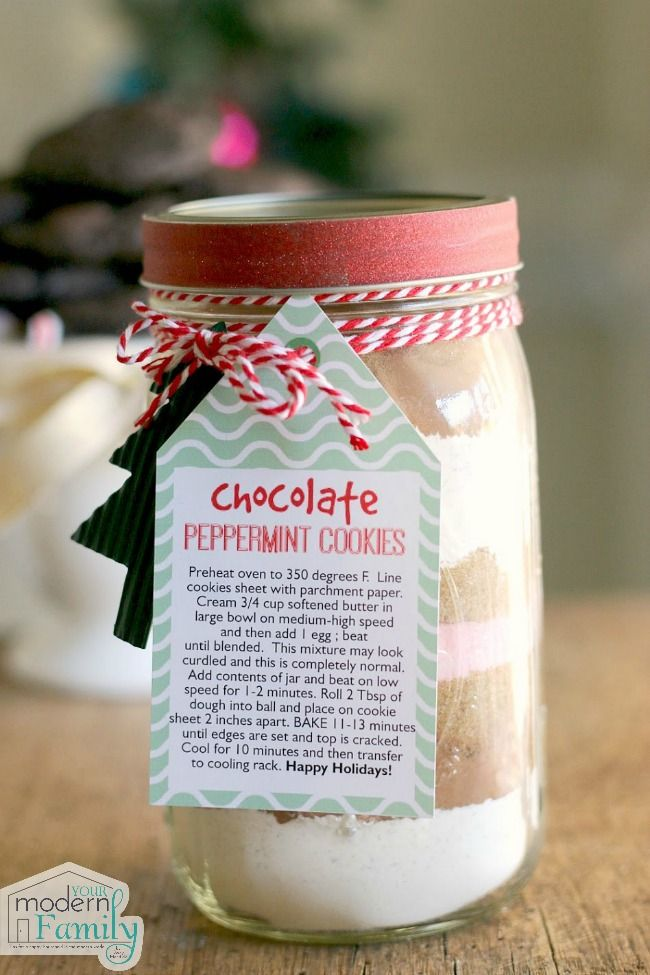 Chocolate peppermint Christmas Cookies in a jar, cookie gift