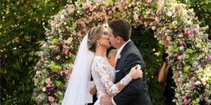 →Como Organizar um Casamento Passo a Passo | Evite que seu Grande dia Vire um Pesadelo! http://dizemporaqui.com.br/como-organizar-um-casamento/