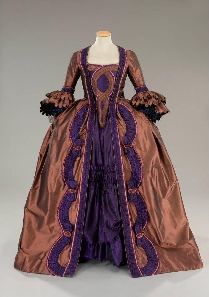 Costume designed by Alessandro Lai for Dara Nicolodi in Rosa e Cornelia (2000)