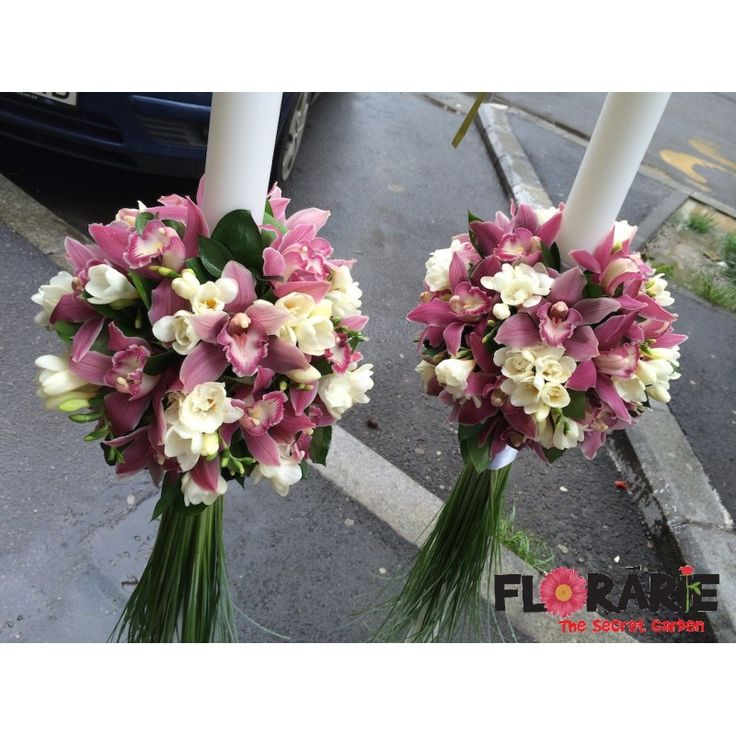 Lumanari de nunta cu orhidee roz si frezii albe