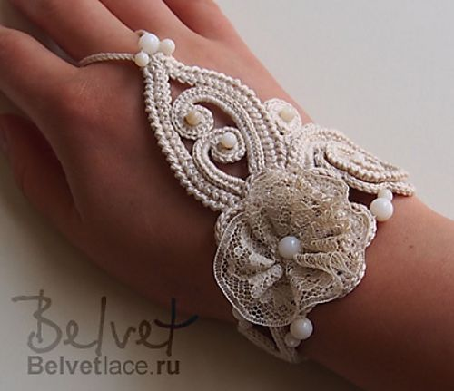 Indian style boho bracelet pattern by Victoria Belvet