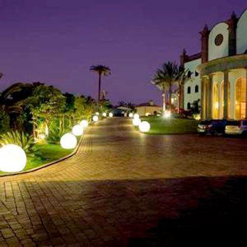 Residential Landscape Lighting Design Illuminate your garden to ...