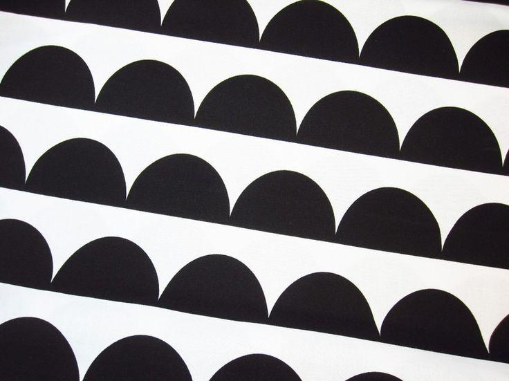 Stoff grafische Muster - Baumwoll Stoff Halbkreis Kreis schwarz weiß Retro - ein Designerstück von Fiebmatz bei DaWanda