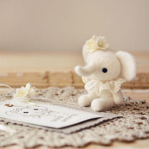 44 best elephants: figures (woolen) images on pinterest   felt ... - Arredamento White Elephant