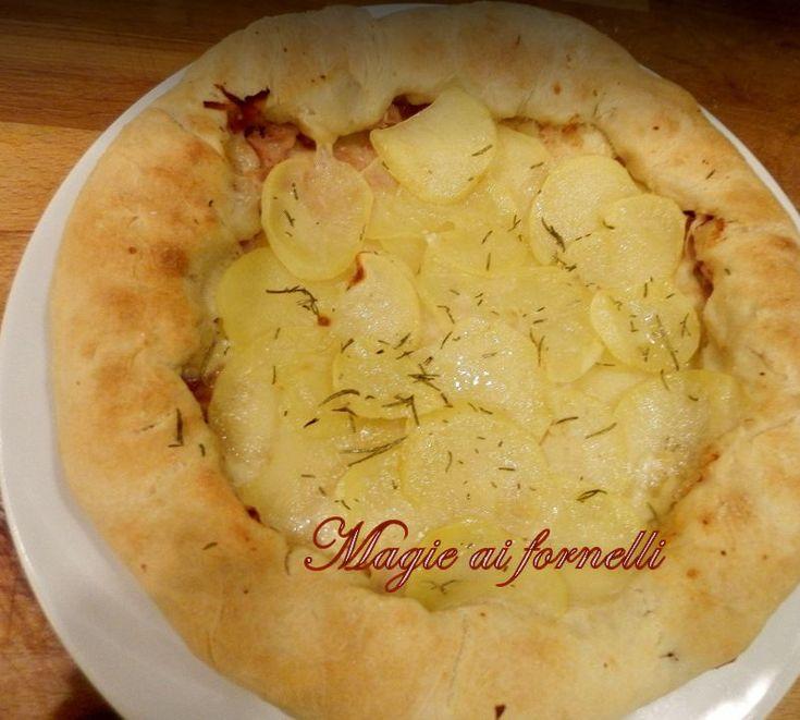 Pizza con cornicione ripieno ricotta provola