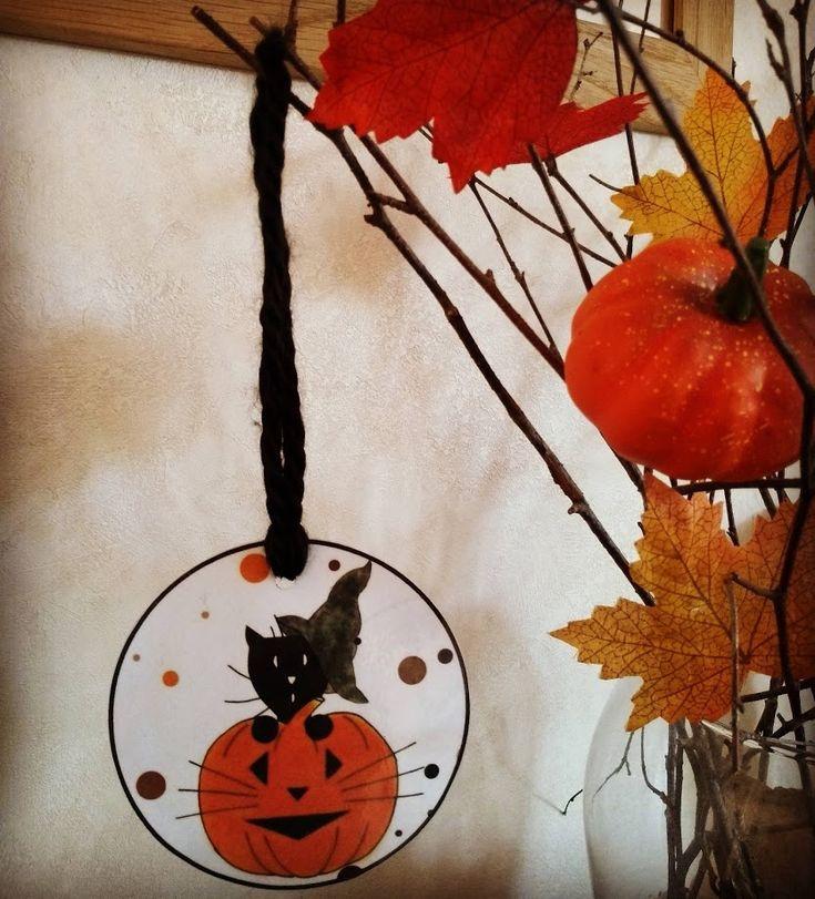 Décoration papier d'Halloween à accrocher, chat sorcier et