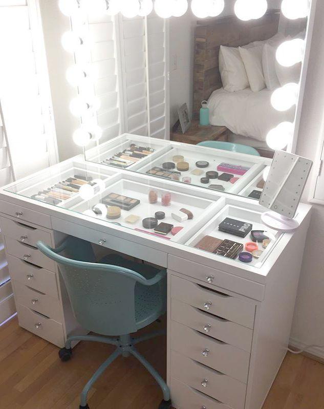 Makeup Revolution Foundation Kleben Sie Ihre Makeup Vanity Preise ausserhalb von Makeup Vanit …   – Makeup Organization and Storage