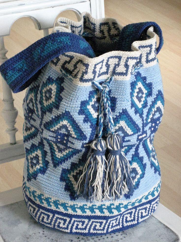 Mochila Tapestry Style, selbst gehäkelt, kostenlose Anleitung auf https://www.facebook.com/Dianas-Handarbeiten-514978628659708/photos