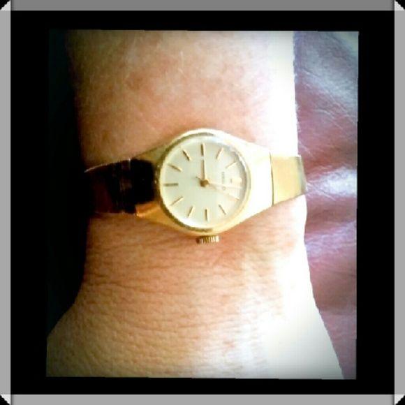 Womens Seiko gold watch 7 inch seiko gold watch. Never worn. Nwot. seiko Accessories Watches