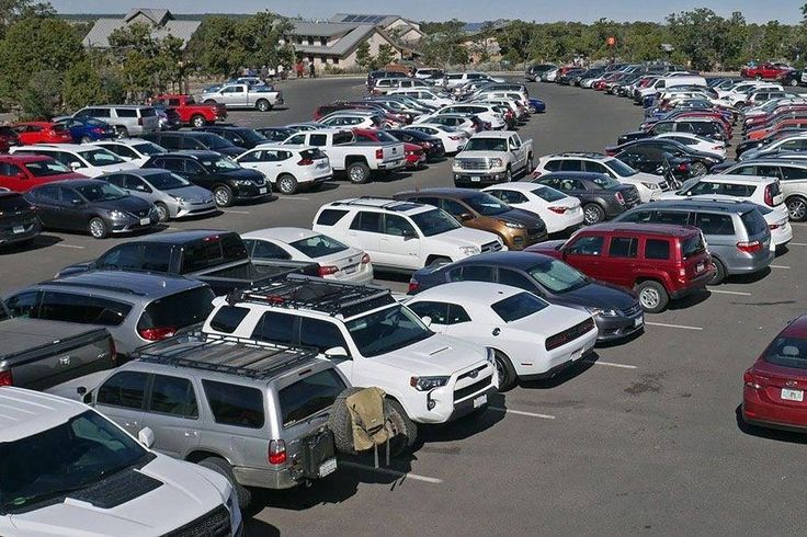Travelers Driving and Flying July 4th Weekend Set Records  The parking lots are full at Grand Canyon National Park in Arizona on June 28 2017. Grand Canyon National Park  Skift Take: The average roundtrip domestic U.S. airline ticket over the holiday weekend was said to be $186. That's hard to believe and is a testament to cheap fuel prices.   Dennis Schaal  American drivers are preparing to hit the road this Fourth of July as seasonal gas prices plunge to their lowest in 12 years.  U.S…