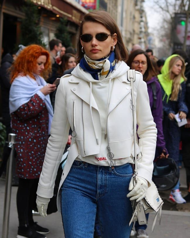 Pin by Sarah Dubose on Scarf in 2019 | Scarf styles, Silk