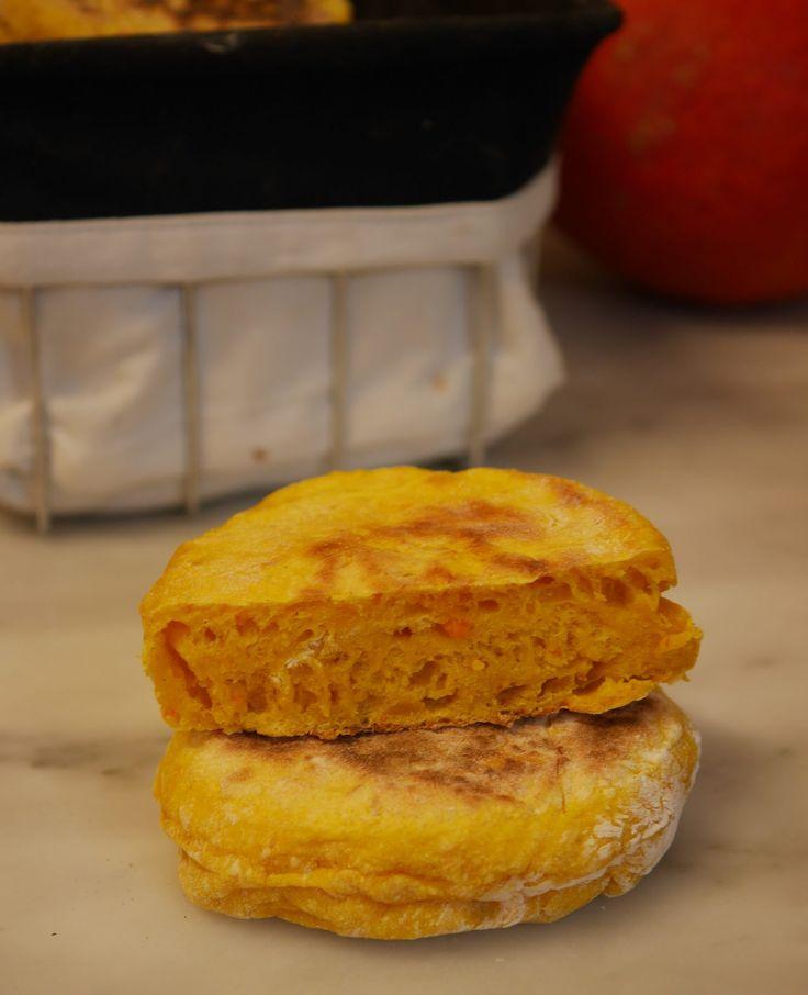 Une recette de petits pains potiron patate douce (sans gluten) qui viendra donner un petit coup de peps à vos petits déjeuners, vos déjeuners ou vos dîners. A la maison on a eu le coup de foudre, j'en ai même congelé une bonne dizaine pour avoir de quoi faire et …