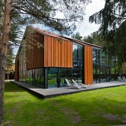 A House in the Woods of Kaunas by Studija Archispektras.