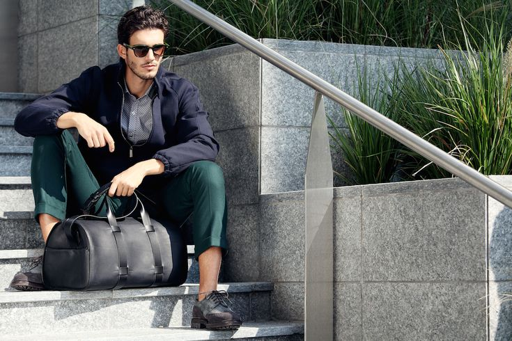 Troubadour Day Bag is handmade in Italy from 100% natural, vegetable-tanned leather!
