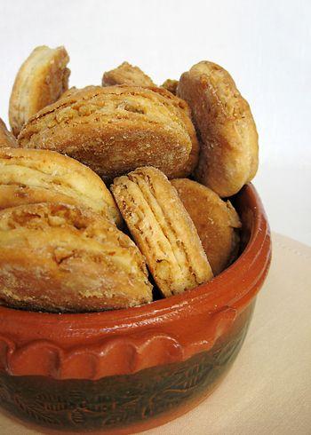 Sastojci 40 g svežeg kvasca ½ kašičice šećera i ½ kašičice brašna u 100 ml