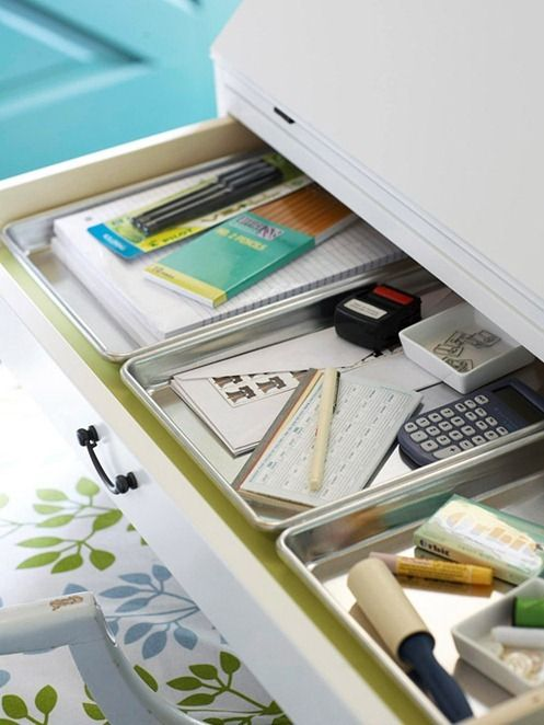 Culinary Cleverness. Small baking pans are just shallow enough to slide inside a desk drawer, and so perfect for avoiding clutter by keeping smaller office necessities from blending together in an useless pile.: Office, Baking Pans, Organization, Idea, Shallow Drawer, Drawers, Desk Drawer, Cookie Sheets
