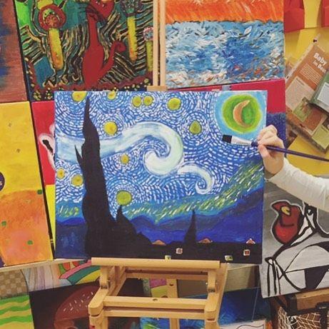 An diesem #künstlerdienstag  will ich euch einen #vangogh von Schülerin A. zeigen. Ich liebe es! Und ihr? #acryl #kidsart #fblogger #like4like #ootd #gift #work #montessori #austrianblogger #school #lehreralltag #morning #grundschule #kids #art #creative #kidscrafts #diy #motoricskills #snow #artproject #colours #january