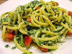Nudeln mit Spinat, Schafskäse und Tomate, ein beliebtes Rezept aus der Kategorie Nudeln. Bewertungen: 273. Durchschnitt: Ø 4,4.