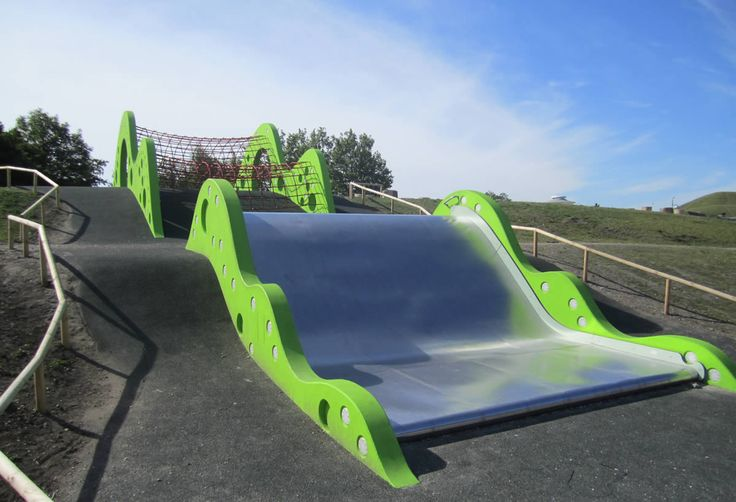 The 'Green Wave' Slide, Malmö Sweden, Anders Dahlbäck, 2012 | Playscapes