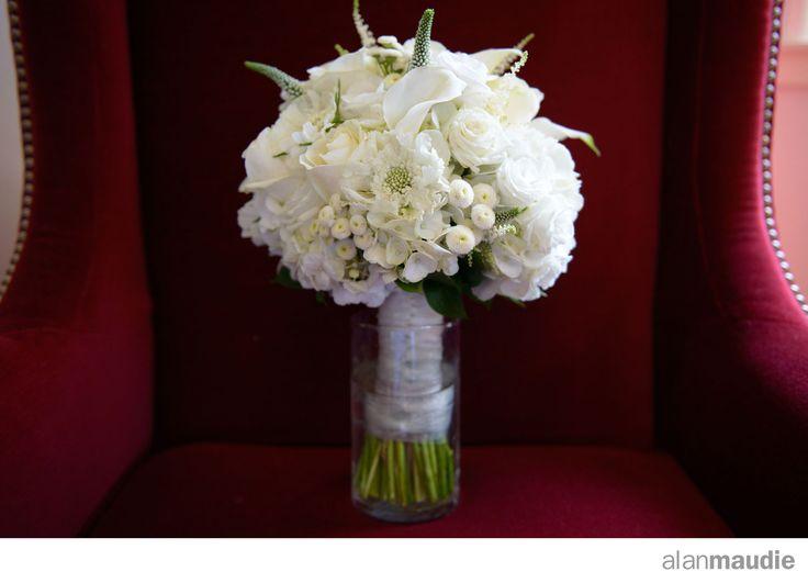 Lake Louise Wedding, Bride's bouquet, bridal flowers