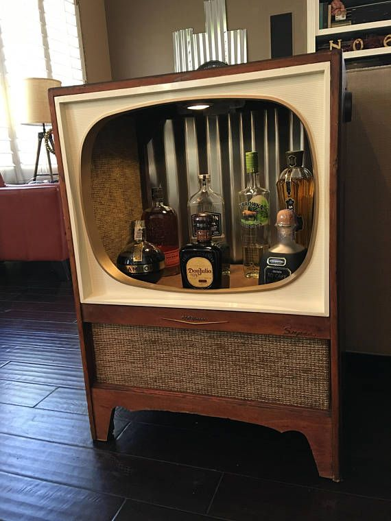 1958 Rca Victor Super Tv Repurposed Into A Mini Bar Liquor Cabinet Original Wood Coloring Kept So There Are D Home Bar Decor Bars For Home Vintage Repurposed